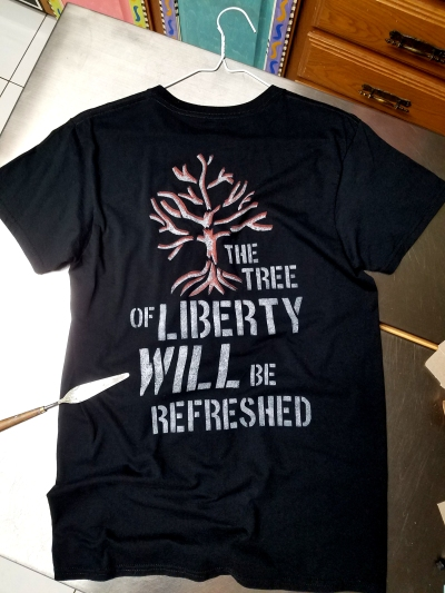 TreeOfLiberty_Will_BeRefreshed_MensSmall_Blackshirt